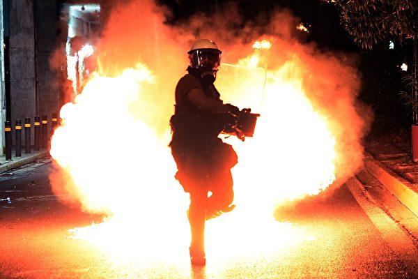 美參議員:拜登政府將威脅評估「政治化」