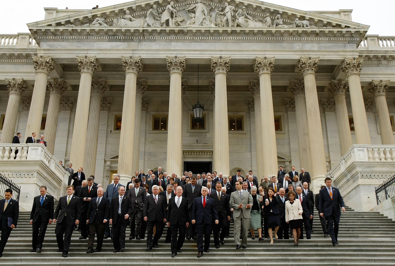 美150議員提議制裁中共政治局委員及家屬