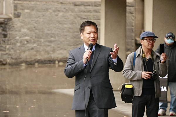 《天安門時報》社長兼總編、中國民主黨(澳洲)主席阮傑表示,法輪功代表著中國社會道德的回歸。(李奕/大紀元)