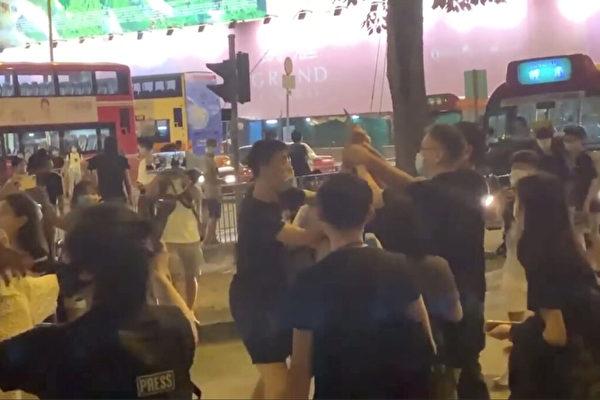保护大纪元员工受伤 香港男青年:无怨无悔