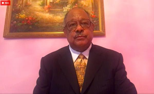 曼哈頓哈林區一間教堂的牧師曼寧就目前BLM運動接受本報專訪。(影片截圖)
