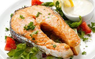 多吃鱼为何有助降低心脏疾病风险