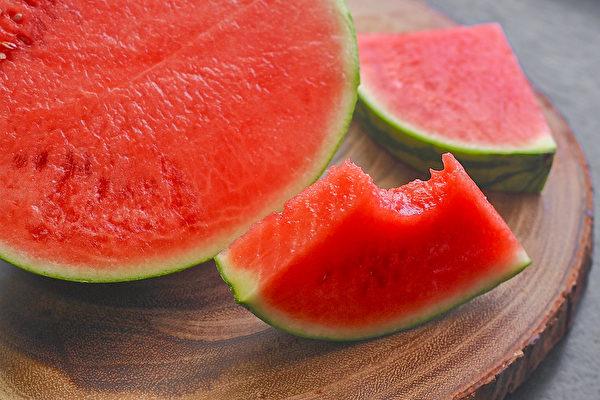 红色食物能防晒、使骨骼更为强健。(Shutterstock)