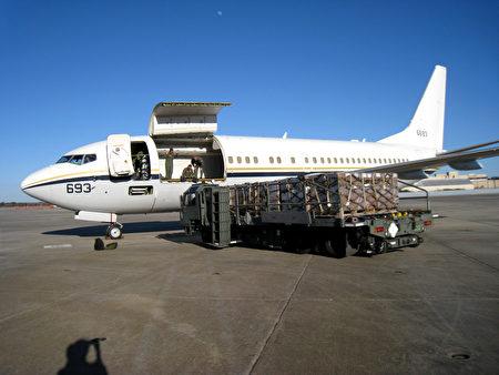 C-40A「快船」運輸機。(U.S. Navy photo by Lt. Kendra Kaufman/維基百科)