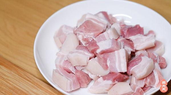 豬肉是幾乎可以跟任何食物搭配而不產生副作用的食物,俗稱「百搭肉」。(榮大夫提供)
