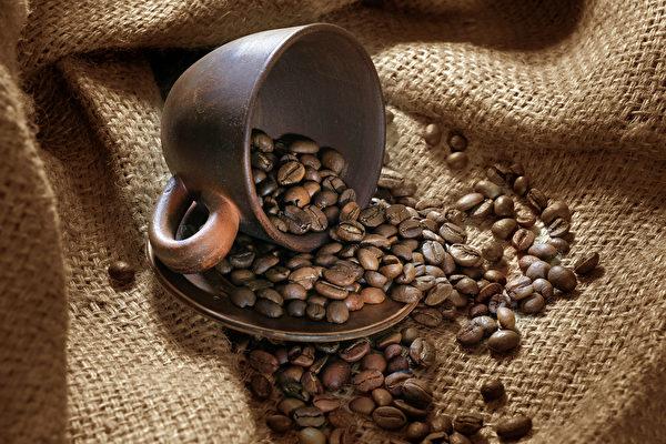 喝咖啡心悸、不適,可能與咖啡的品質、種類及咖啡因的量有關。(Shutterstock)