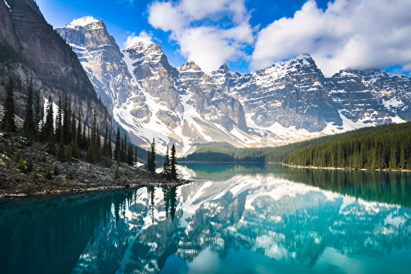 Moraine Lake, Bannf National Park, Alberta