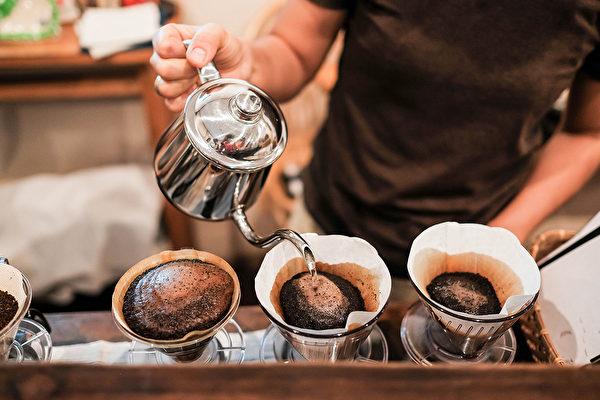 喝過濾咖啡對心血管更好。(Shutterstock)