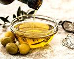 胆固醇高的人,料理用油可选用含Omega-9的橄榄油。(Shutterstock)