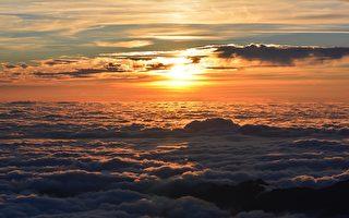 从太空中看地球上的日落是什么样子?