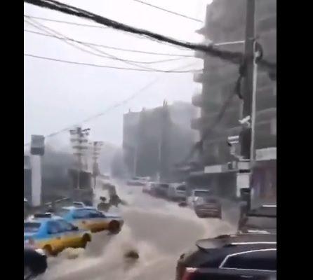 宜昌水深半人高 網民疑大壩洩洪