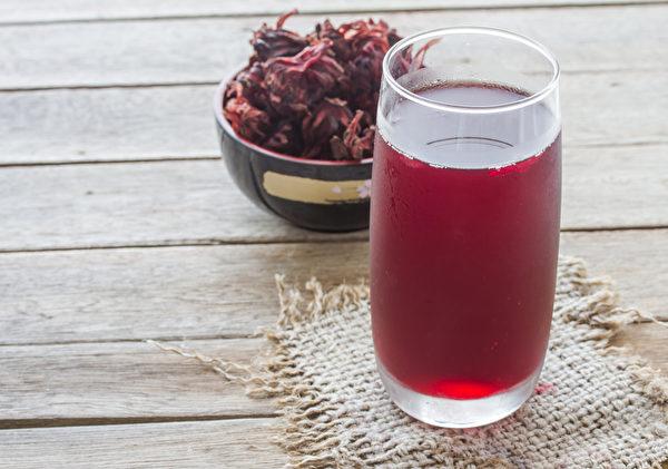 洛神花茶有美容和消脂的功效。(Shutterstock)