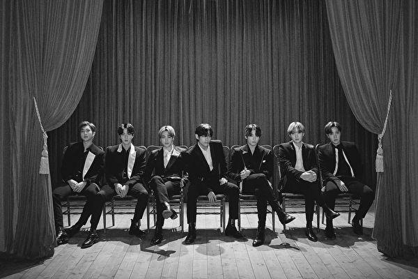BTS日文四輯兩天賣破50萬張 刷新最短用時紀錄