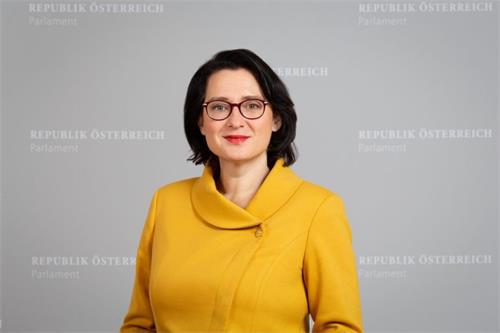 古德倫・庫格勒(Gudrun Kugler)博士。(明慧網)