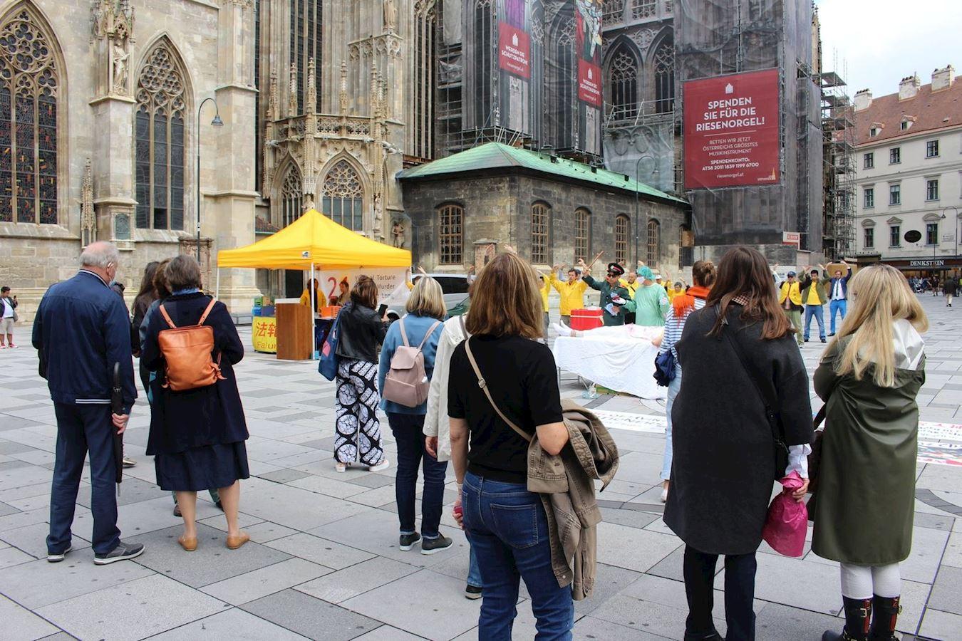 法輪功學員反迫害21年 奧地利政要致函支持