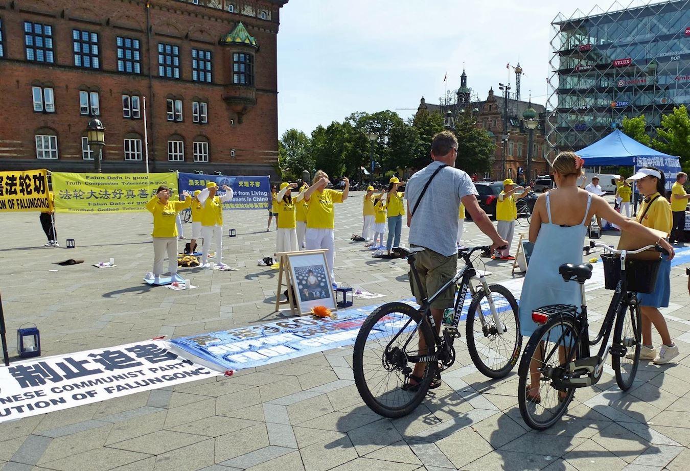 法輪功學員反迫害21周年 丹麥政要聯署支持