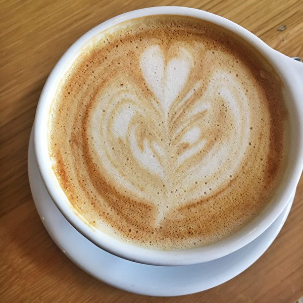 燕麦奶拿铁咖啡