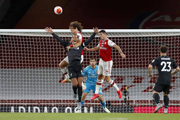 英超36輪,提前奪冠的利物浦在客場1:2被阿森納逆轉