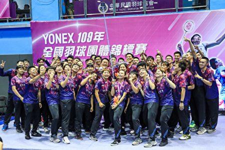 合作金库A队包办男女团冠军。