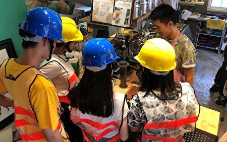 屏東職人町首創「堅持的職人」實境體驗遊戲,迎民眾來體驗職人日常。