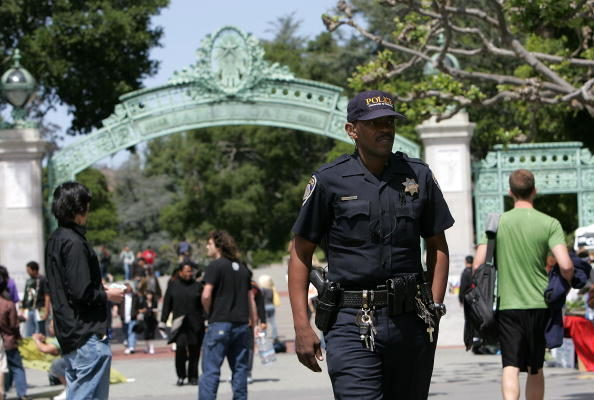 洛市議會邁出「替換警察」第一步
