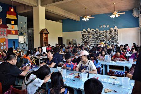 照顾弱势儿童,立委刘建国积极争取资源,在牙医师及药师公会捐助下在县内设置八个课后辅导班