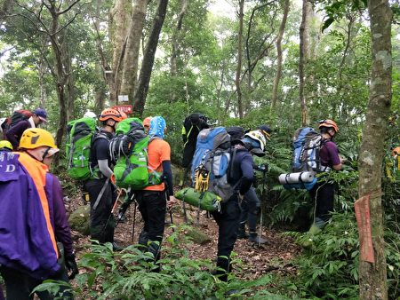 加强山域搜救训练,以达保障市民生命财产安全之目的。