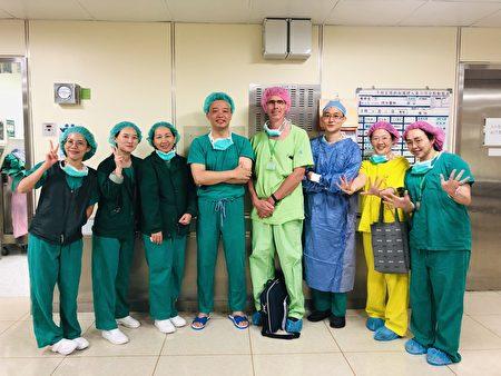 長庚醫院眼科醫療團隊。