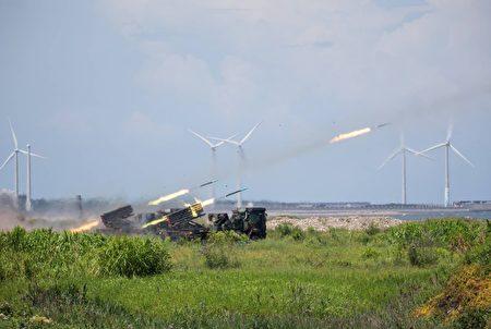 陸軍雷霆2000火箭射擊
