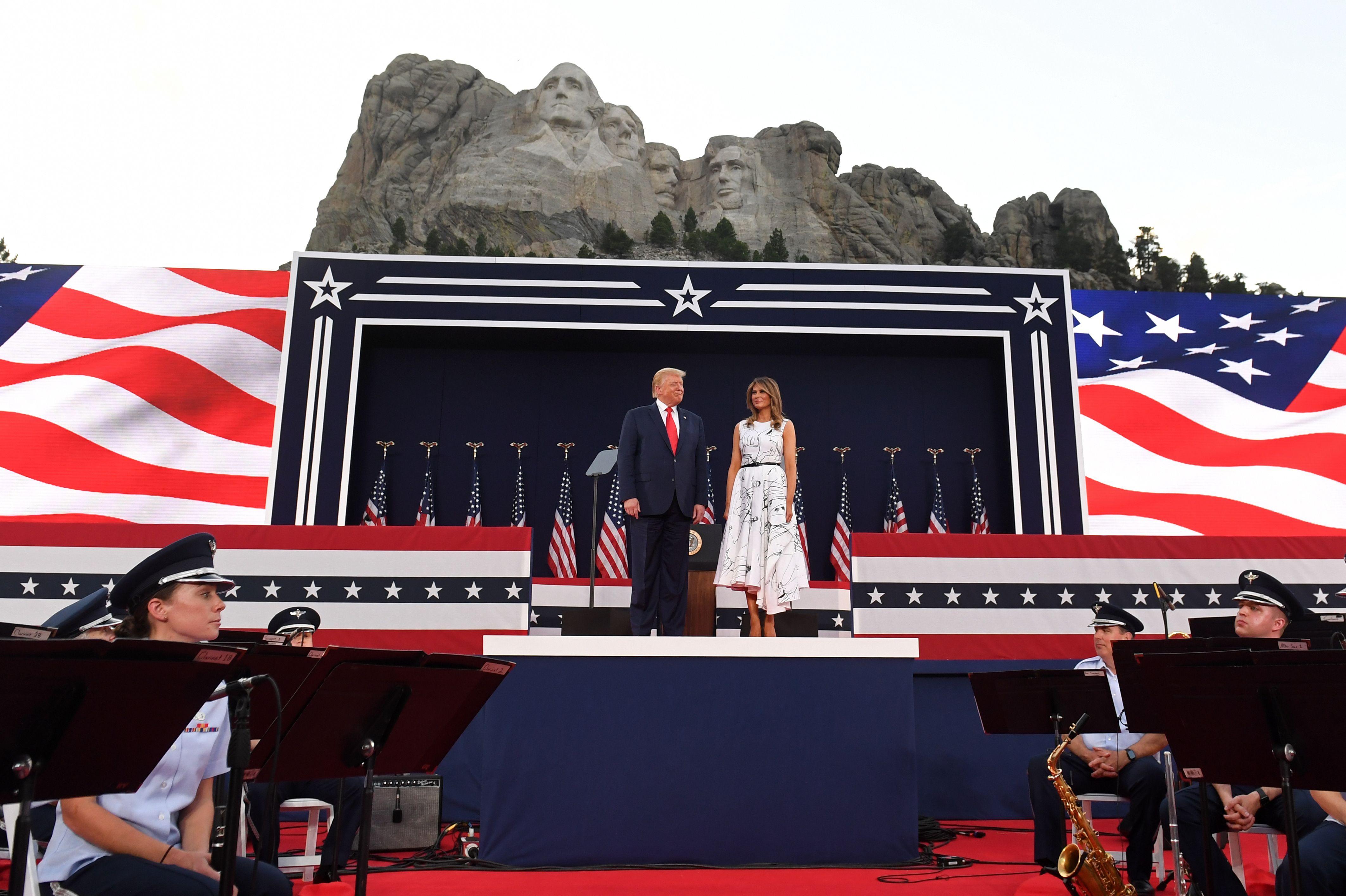 【直播】獨立日前夕 特朗普在總統山演講