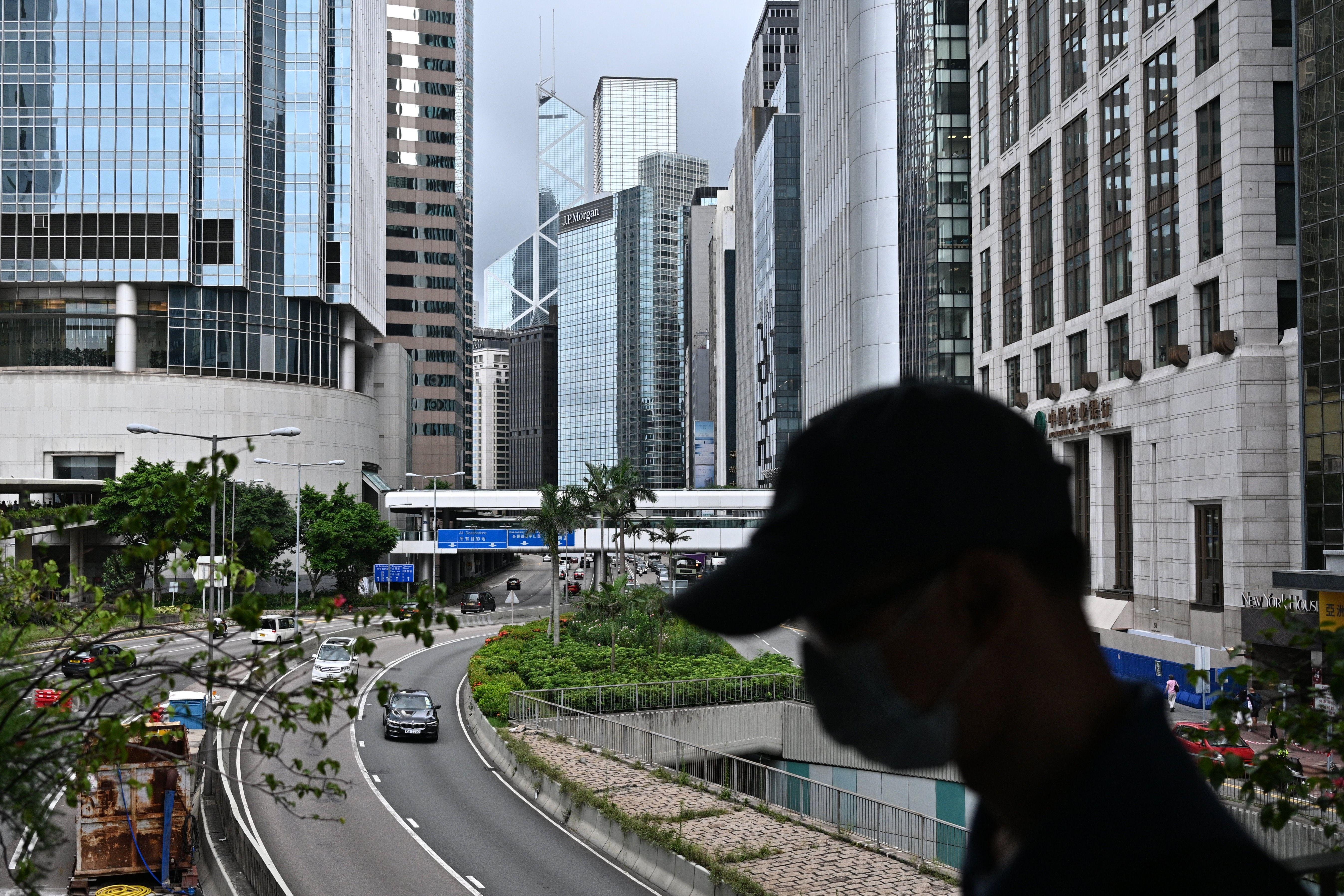 北京在香港實施新的國安法,賦予中共更大權力限制香港的政治運動。美國、英國和其它西方國家表示,這一舉動違反「一國兩制」原則,以及《中英聯合聲明》。圖為香港。(ANTHONY WALLACE/AFP via Getty Images)