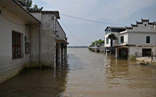 大陆网络大V称洪水可成旅游资源 网民狠批