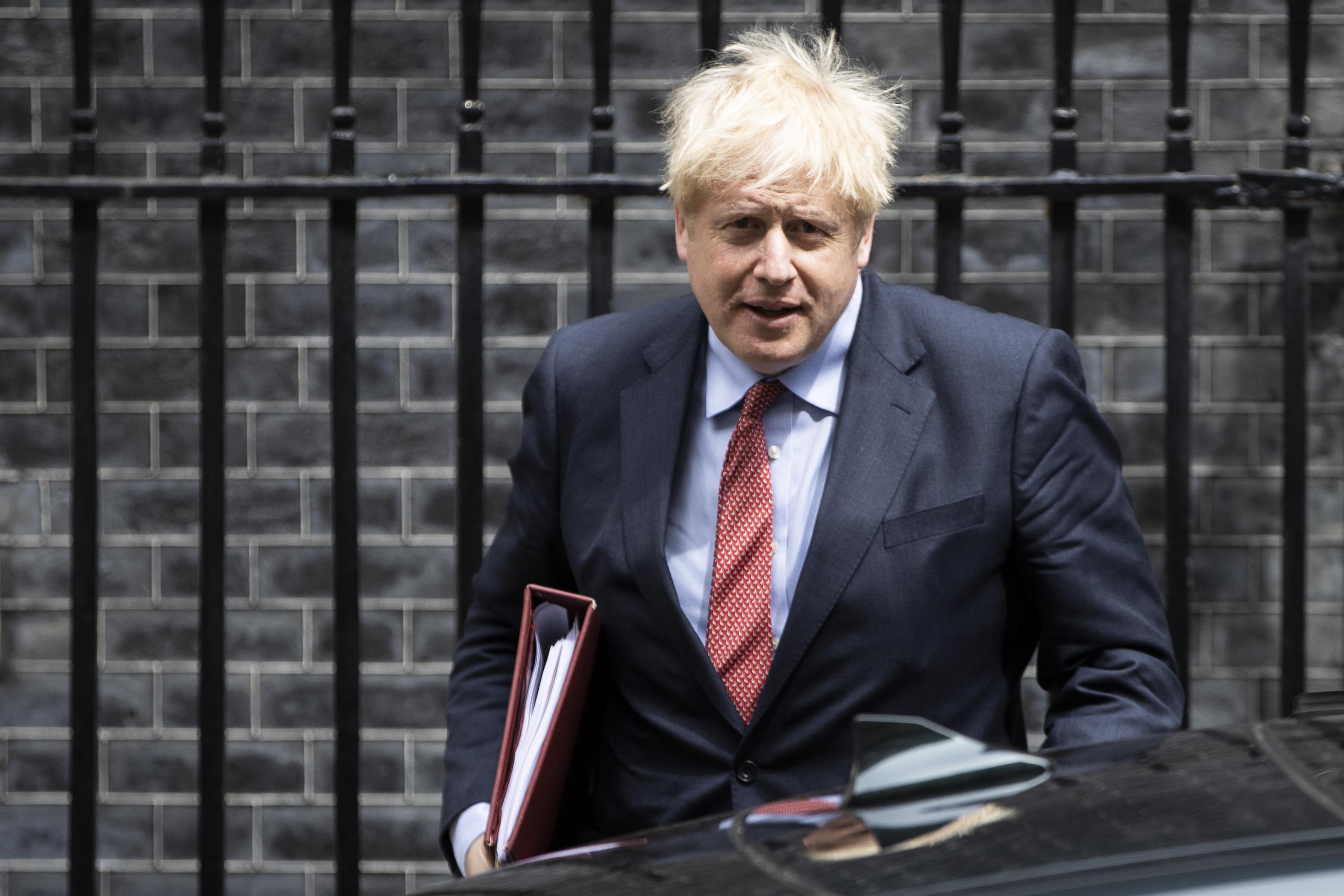 英暫停與港引渡條約 首相:將對中共採強硬態度