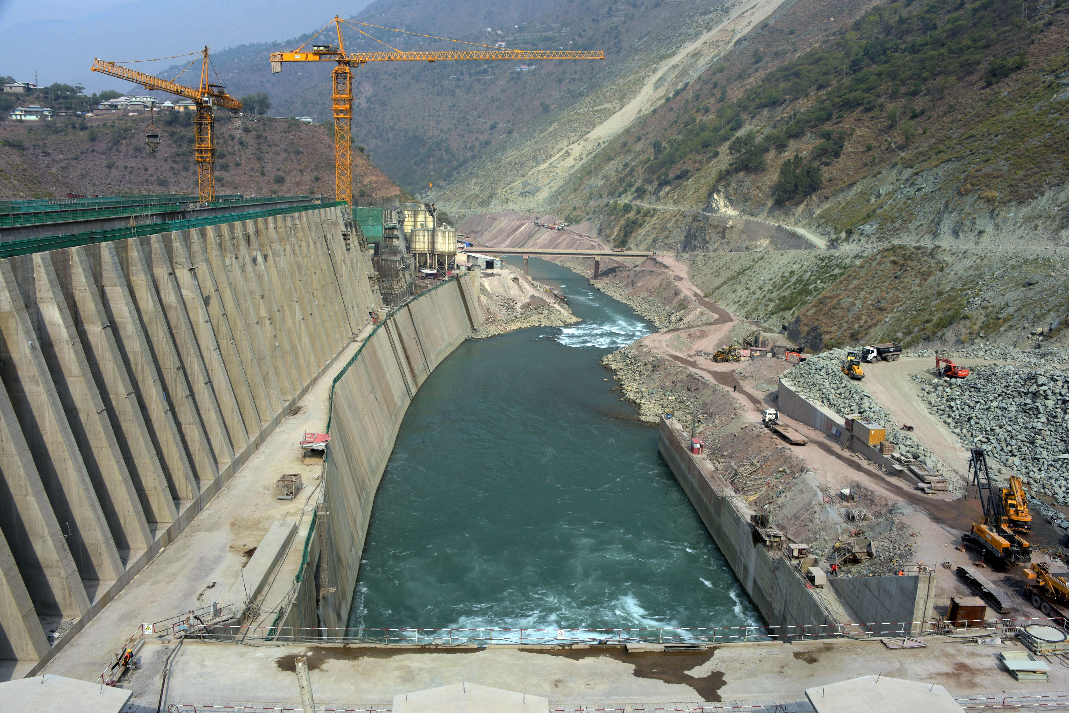 中共在克什米爾建水壩 引發大規模抗議