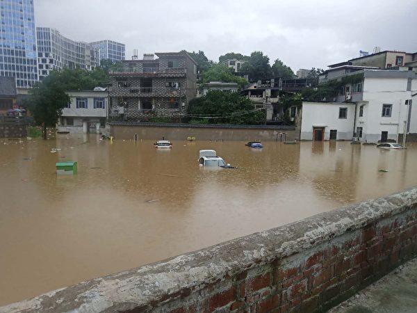 景德鎮城區的大水。(受訪者提供)