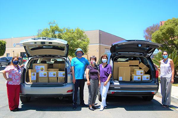 聖地亞哥臺灣中心向當地醫院捐贈醫護品