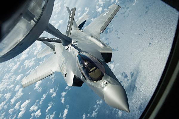 美第六代隐形战机配激光武器 可操控无人机