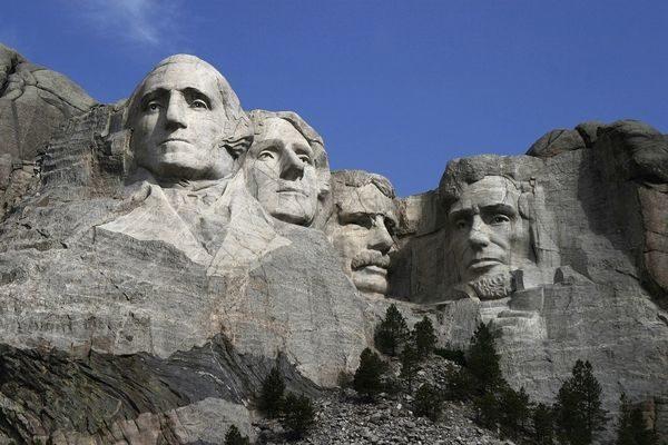 美國總統山(Mount Rushmore National Memorial,又稱拉什莫爾山)。(公有領域)
