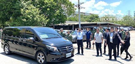 兩名飛官大體17日中午約12點30分,抵達龍潭桃園國軍總醫院。