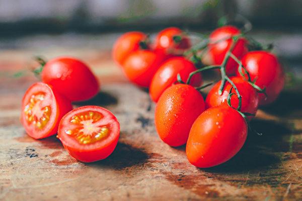 哪些水果不適合空腹吃?水果究竟在飯前還是飯後食用更好?(Shutterstock)