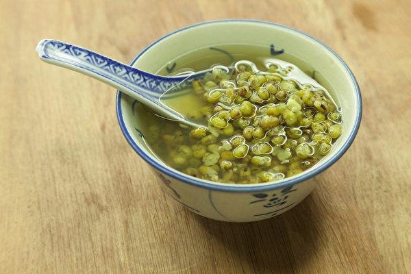 喝粥養生,一年四季該喝的粥不一樣。(Shutterstock)