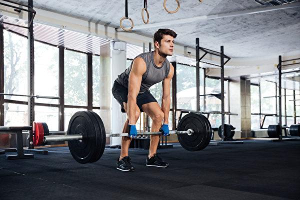 硬舉的增肌效果為第2名。(Shutterstock)
