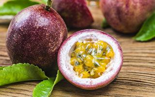 百香果含丰富的抗氧化物、膳食纤维及矿物质。(Shutterstock)