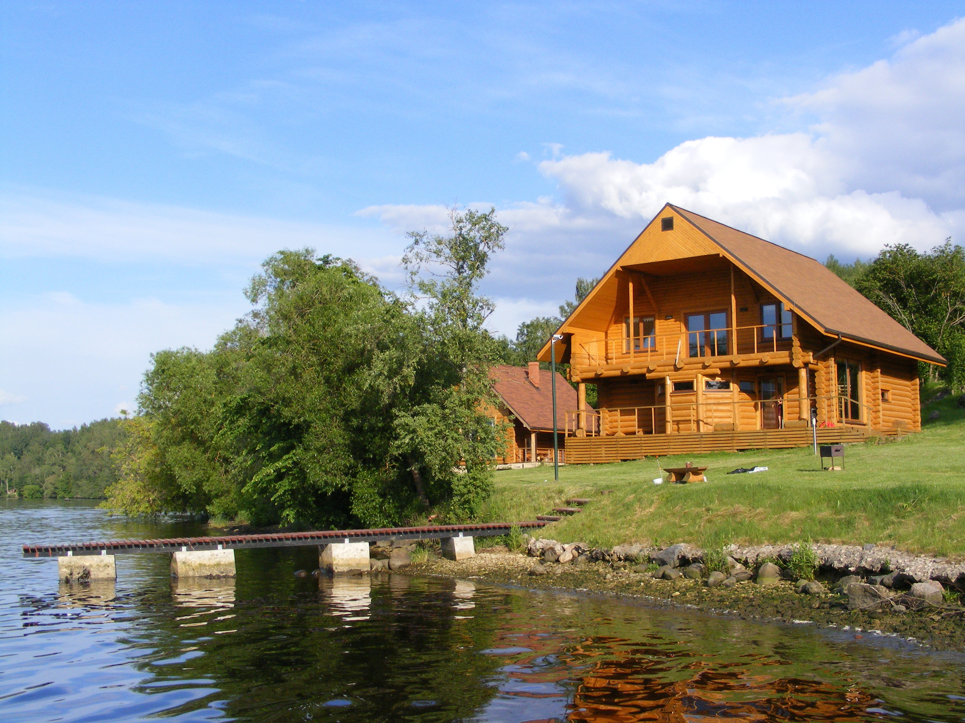 越来越多人在家办公 安省度假屋受青睐
