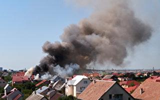 列治文山镇屋大火殃及邻居 居民疏散