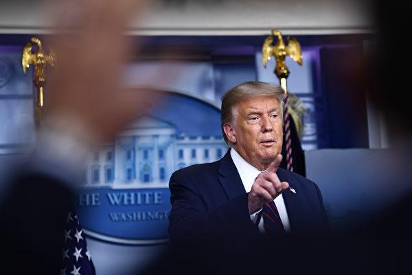 特朗普表示,美國隨時準備協助黎巴嫩,這看起來像是一次可怕的襲擊。(Brendan Smialowski/AFP)