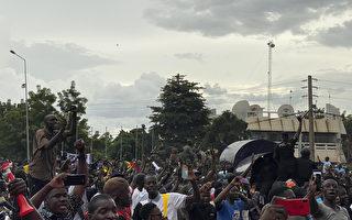 马里发生兵变 总统总理被押入军营