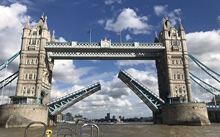 倫敦塔橋空中「卡殼」 交通癱瘓至少一小時