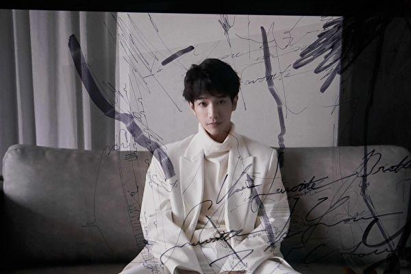 """从演员晋升""""歌手刘"""" 刘以豪正向面对新身份"""