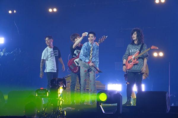 「超犀利趴11」連唱兩天 18組歌手團體輪唱